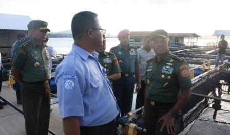 kunjungan panglima TNI dan Pangdam XVI Pattimura di KJA BPBL AMBON 2015