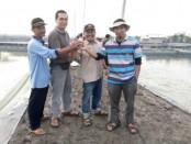 Tim Unila dan Pokdakan Mina Sakti Mandiri (Ki-Ka)  Anshori Maskur (Ketua Pokdakan), Yudha, Sri waluyo dan Supono (TimUnila) (dok. Pribadi)